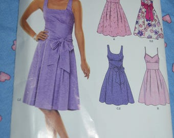 New Look 6776 Misses Dress Sewing Pattern - UNCUT - Size  8 - 18