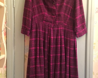 Vintage 1950's Purple Checked Wool Shirtdress Dress - Size 10/12 - Perfect for Autumn Winter - Very Betty Draper from Mad Men!