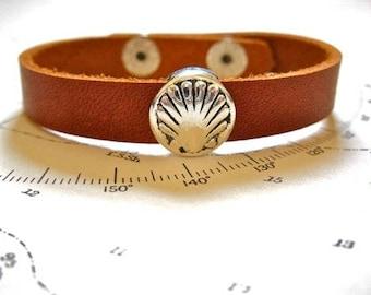 Concha shell Camino de Santiago bracelet - vieira scallop