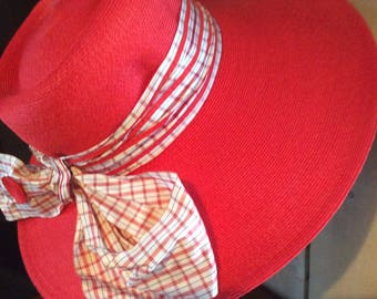 Beautiful vintage sun hat from the 50's - spring woman'shat - quality woven straw