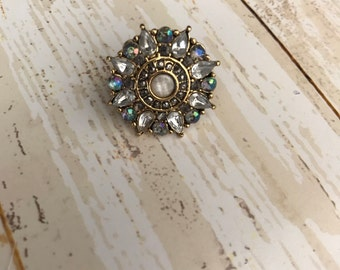Beautiful crystal flower pin