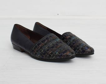 Vintage Navy Leather Shoes/ Size 4