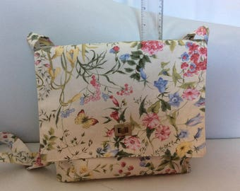 Handmade Cream Floral fabric shoulder bag