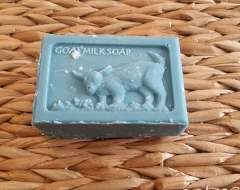 Handcrafted Raw Goat Milk Soap **Blueberry Muffin**