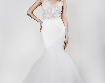 Mermaid style wedding dress with an elegant back