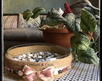 Door uiofreni to Bowl decorated with twine, satin