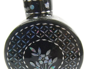 Mother of Pearl Snuff Bottle