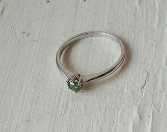 0.19ct green diamond and silver ring