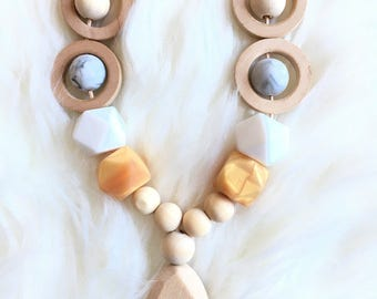 Nursing necklace/ teething necklace/ wooden necklace/ silicone necklace