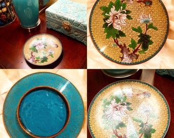 Beautifully detailed cloisonné vintage jewelry dish