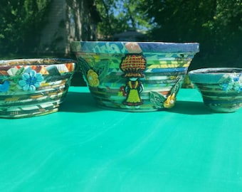 Recycled magazine paper bowl set