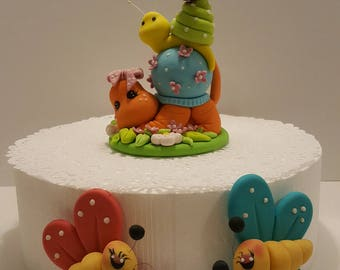 Edible Butterfly and Snail Cake Topper Set, Cake Topper Set: Large Snail and Two Butterfly's of Different Colors Each.
