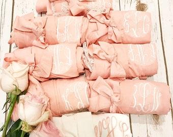 Monogrammed Robe, Bridesmaid robes, Bridesmaid gift, Lace robe, Bridal party robe, Personalized robes, Wedding Robe