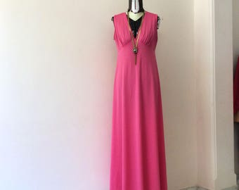 Sale! From 30 to 22 euros! Vintage Maxi dress Fuchsia/pink lycra size 42 70in. Pink is PUNK
