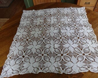 Beautiful hand crocheted vintage table cloth
