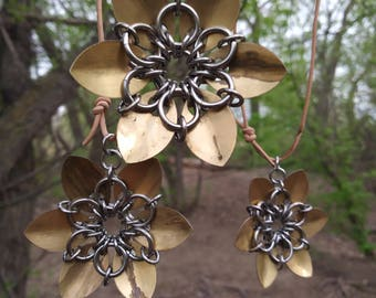 Stainless steel Chainmaille flower pendant