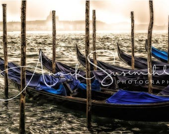 Gift ideas for lovers of Venice: giant poster - gondolas before San Marco - poster as photo print