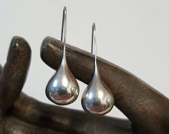 Vintage Silver Teardrops Earrings Stamped 925