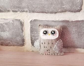 Gray Owl Brooch or Keychain