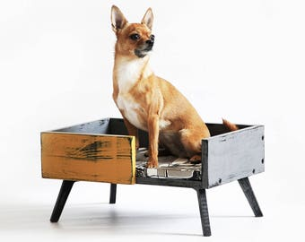 VINTAGE bed for dogs