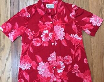 Vintage Maluna Hawaii Red Floral Hawaiian Shirt Size 12 (medium)