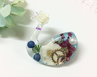 dried resin bird brooch with real dried flowers bird brooch