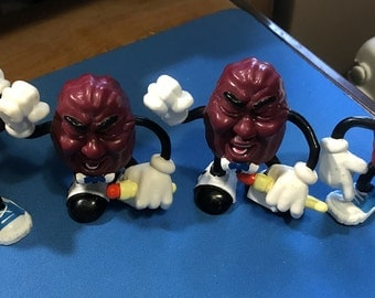 Qty of 4 1987 California Raisins