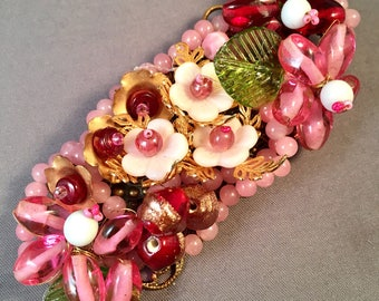 Gorgeous Vintage PINK GLASS Brooch / Unsigned / Miriam HASKELL Style / Pink Glass Beaded Pin