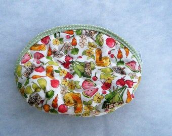 Small Quilted Purse - Summer fruit and veggies