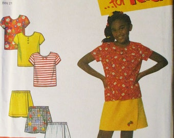 Childs Sewing Pattern Simplicity 7547 Child's and Girl's Shorts and Knit Top Pattern Size 3-12 Uncut
