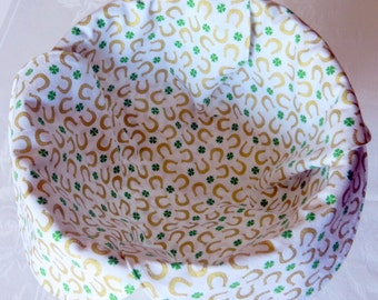 Basket Liner, Bread Cloth, Table Topper, Centerpiece, St. Patrick's Day, Gold Metallic Horseshoes and Green Shamrocks, Handmade Table Linens