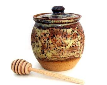 Honey Jar -  Honey Pot- 20 oz  - Honey Jar with Dipper - Ceramic- Stoneware - Pottery - Wheel Thrown Pottery