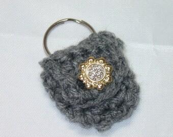 Crochet keychain Coin Cozy, coin holder, coin pouch, mini purse, coin purse, ring holder  -Dark Grey with Gold Sun button
