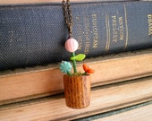 Vintage Thimble Flower Pot Necklace - Wood Thimble Potted Flowers Gardener Pendant - Miniature Flower Pot Long Chain Floral Jewelry Mom Gift