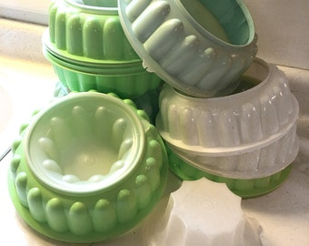 lot of vintage Tupperware jello molds 5 complete + 3 partial molds aqua blue bright green white speckled plastic DIY light kit pendant light