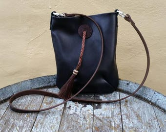 Small black horse hair tassel tote