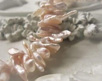 Natural Keshi Pearl Keishi Freshwater Pearl Bead Item No. 0095