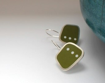 Green Polka Dot Drop Earrings - Square Green Earring - Gift for Modernist - Square resin jewelry - Graphico DotDotDot