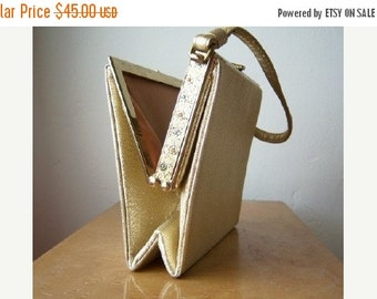 30% OFF SALE 60s gold handbag, floral embossing, satin apricot lining, STUNNING wedding date purse