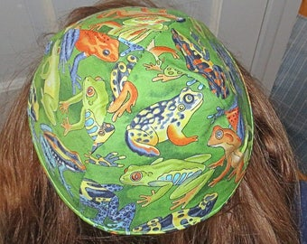 Passover plagues kippah or yarmulke Realistic frogs--great gift for him...wonderful kippah for the Seder plague of the frogs gift for him
