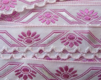 """Italy 2 Yards Fabric Trim White And Fuchsia Pink Folkloric Scalloped Trim 1/2"""" Wide Ribbon  RV 47"""