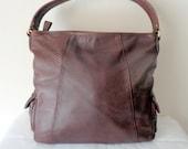Liz Claiborne all butter soft genuine leather larger size top zip  satchel, purse , wide strap tote,  vintage classic brown excellent cond