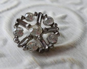 Vintage Button -1 medium size beautiful and open work flower design, clear rhinestones  silver metal  (apr 37 17)
