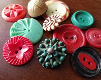 Vintage Buttons - Cottage chic mix of red, off white and green, lot of 11 old and sweet( may 8 17)