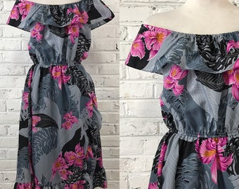 Vintage 1970s  Hot Pink and Grey Tropical Floral dress, size XL