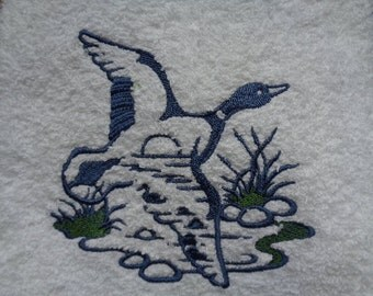 Embroidered Goose in Flight Nature Scene Terry Hand Towel Set