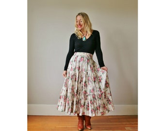 1980s Full Floral Prairie Skirt >>> Size Extra Small to Small