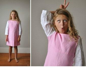 ON SALE 1960s Lace Sleeve Dress~Size 7/8/10