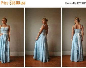 25% OFF SALE 1970s Full Floral Dress~Size Extra Small to Small