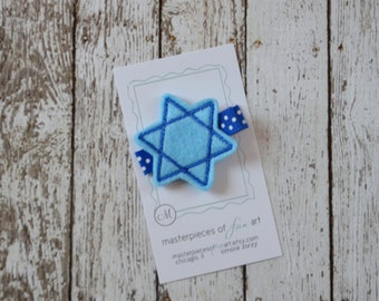 SALE Small Blue Star of David Felt Hair Clip - Hanukkah Clippie - Winter Holiday Hairbow - Chanukah barrette - Jewish Star No Slip Grip Clip